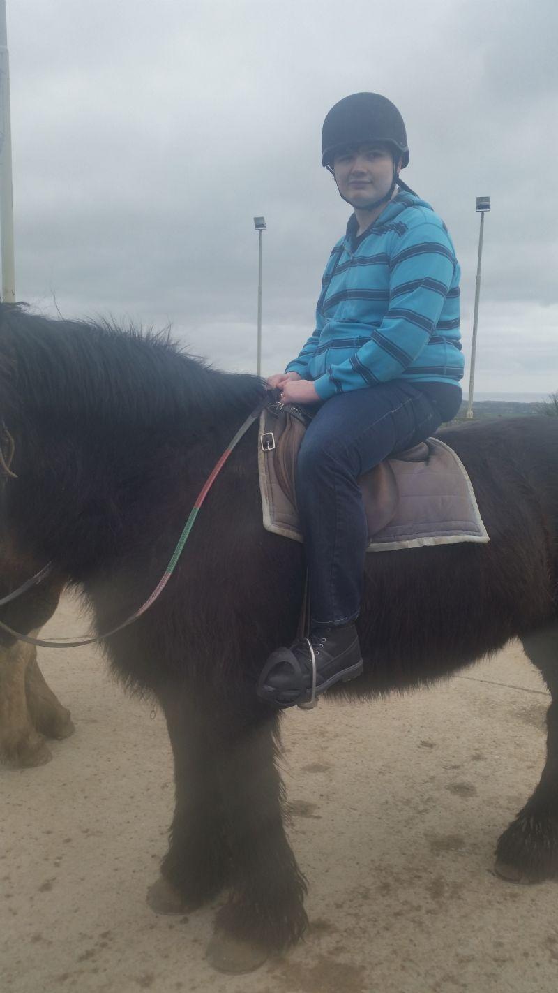 horse_riding_his_(17)