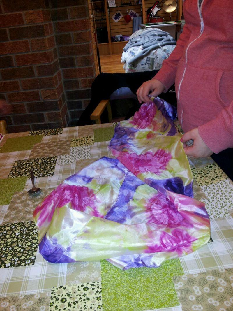 silk_scarf_making_(9)